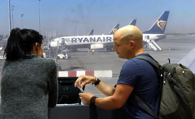Ryanair pilotları grevde, yolcular perişan!