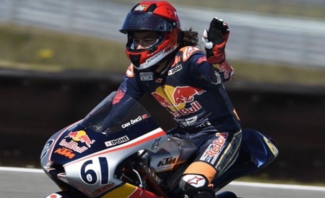 Milli motosikletçi Can Öncü şampiyonluğunu ilan etti