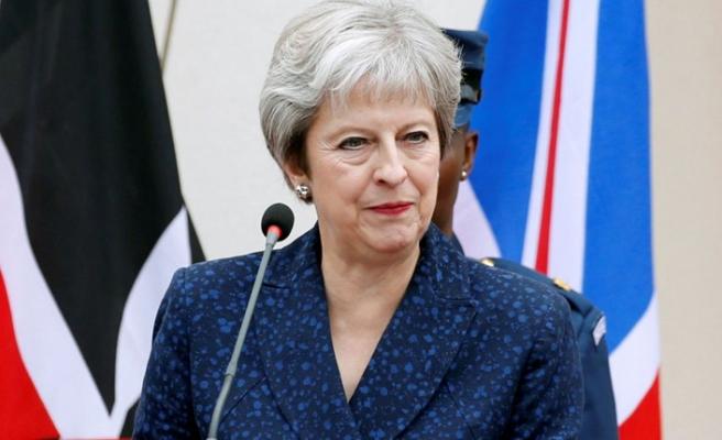 Theresa May'den AB'ye sert Brexit yanıtı