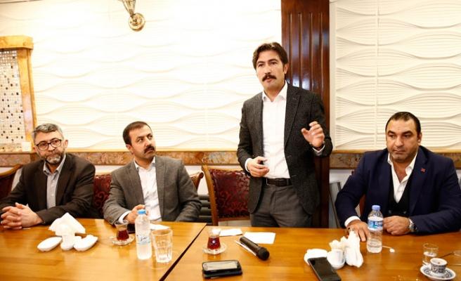 Denizli Milletvekili Özkan, Londra'da UID'in kahvaltısında konuştu