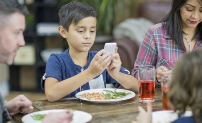 'Ebeveynler ekran saatini çok da büyütmemeli'
