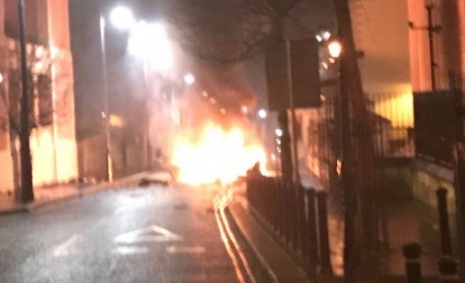 Kuzey İrlanda'da şüpheli araçta patlama