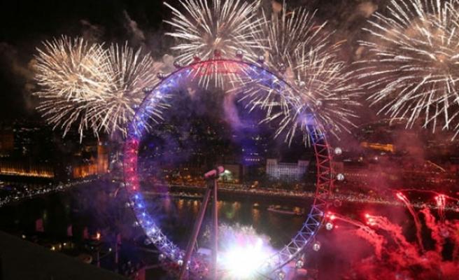 Londra'daki yeni yıl kutlamalarında 'AB'ye şifreli dostluk mesajları'