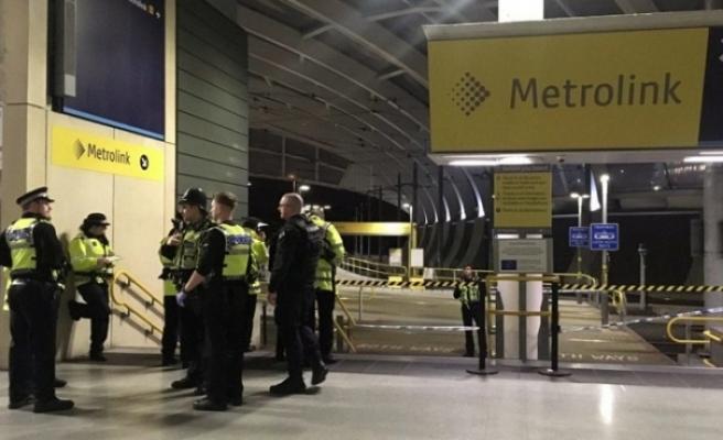 Manchester'daki bıçaklı saldırıya 'terör' soruşturması