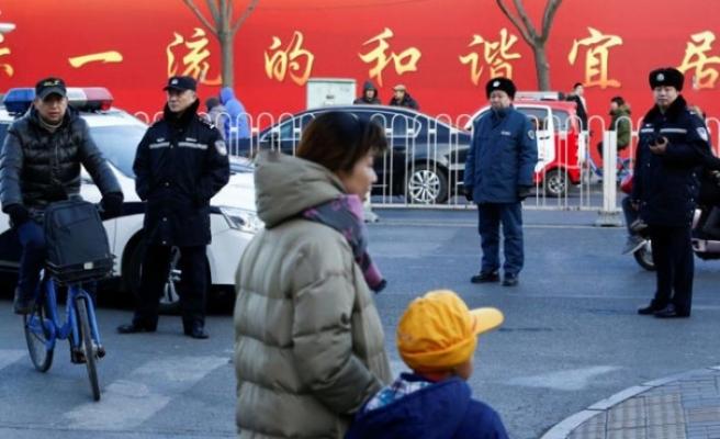 Pekin'de ilkokula bıçaklı saldırı: 3'ü ağır 20 çocuk yaralandı