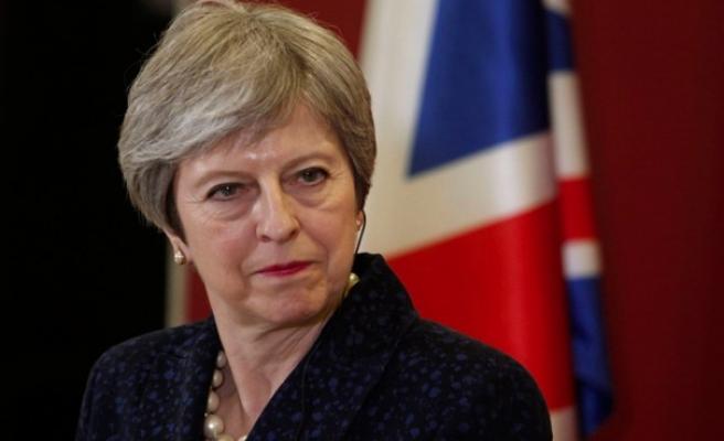 Theresa May, Brexit'siz bir demokrasi düşünemiyor