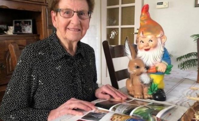 Hollandalı yaşlı kadının çalınan bahçe cücesi 1 yıl boyunca Avrupa'yı dolaştı