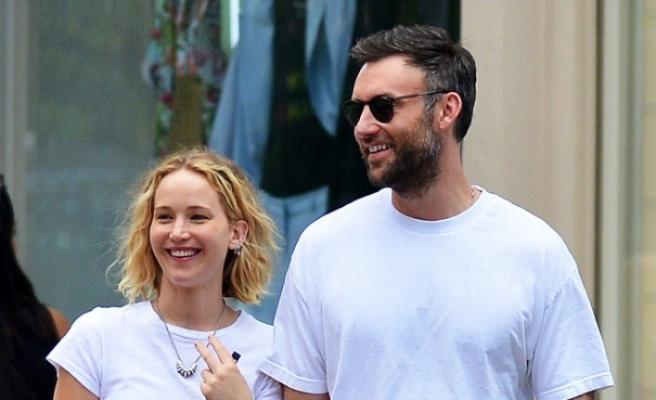 Jennifer Lawrence erkek arkadaşı Cooke Maroney ile nişanlandı