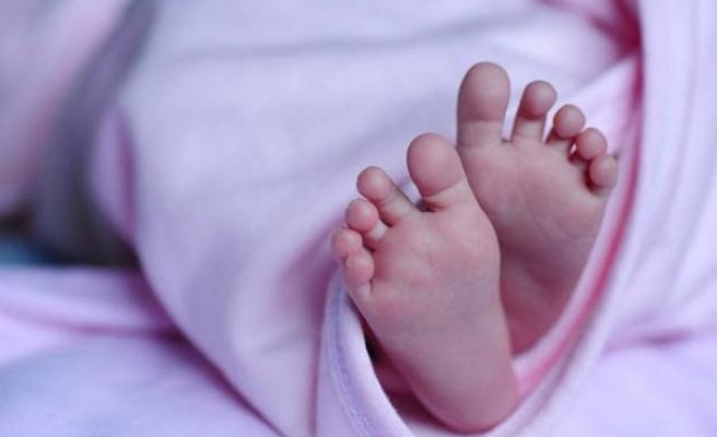 Çift rahimli kadın, ilk doğumundan 26 gün sonra ikiz dünyaya getirdi