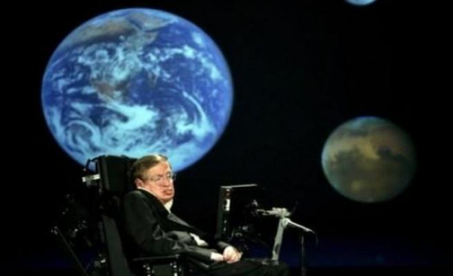 Stephen Hawking İngiltere'de madeni parayla anılacak