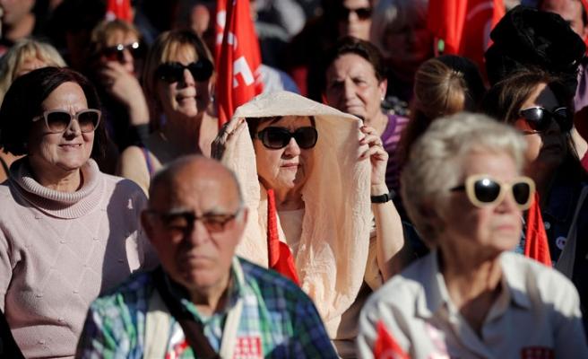 Belirsizliklerin içinde İspanya sandığa  gidiyor