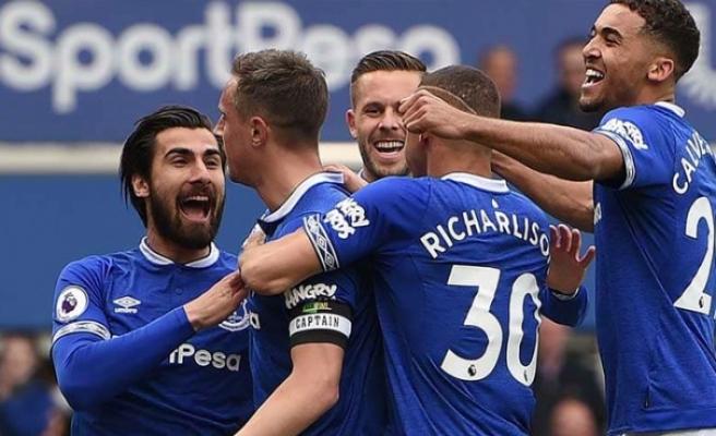Everton, Arsenal'ı tek golle geçti