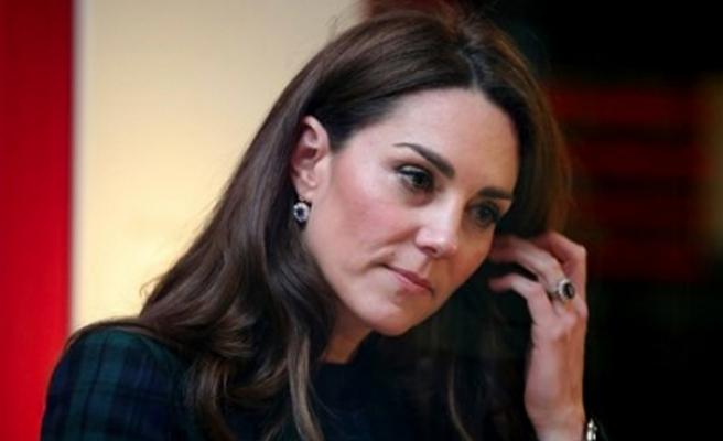Prens William, Middleton'ın yakın arkadaşıyla aldattı!