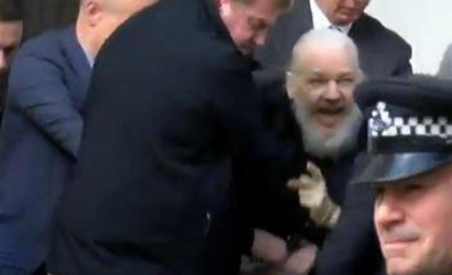 Wikileaks'in kurucusu Assange Londra'da tutuklandı