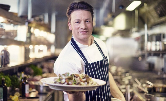 İngiliz şef Oliver'in restoran zincirine kayyum atandı