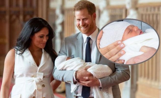 Prens Harry ile Meghan Markle'ın Bebeği Kamera Karşısına Geçti