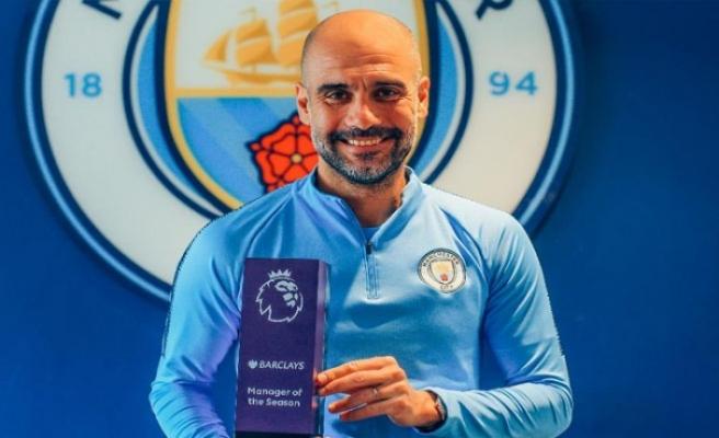 """Premier Lig'de """"sezonun teknik direktörü"""" Guardiola"""