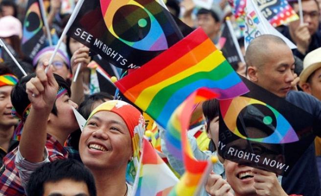 Tayvan eşcinsel evliliği yasallaştıran ilk Asya ülkesi oldu