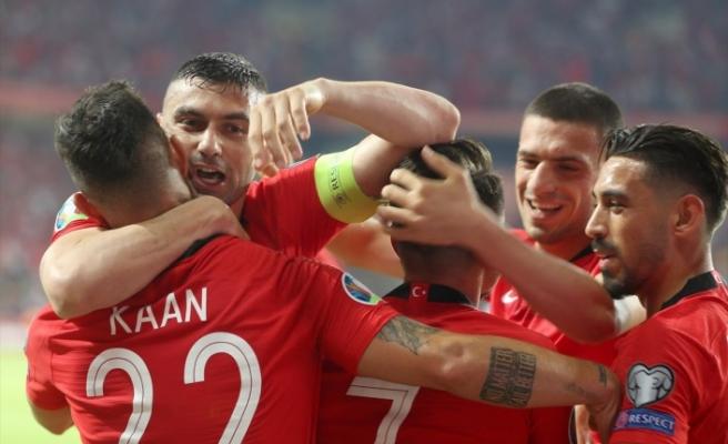 A Milli Futbol Takımı İzlanda'ya gitti