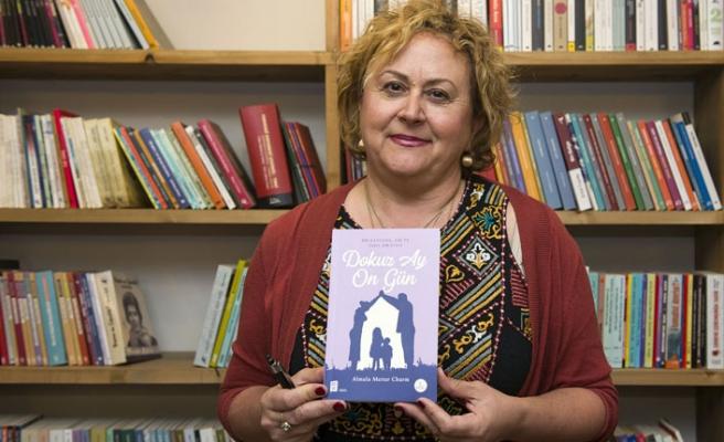 Almula Merter Churm kitabını imzaladı
