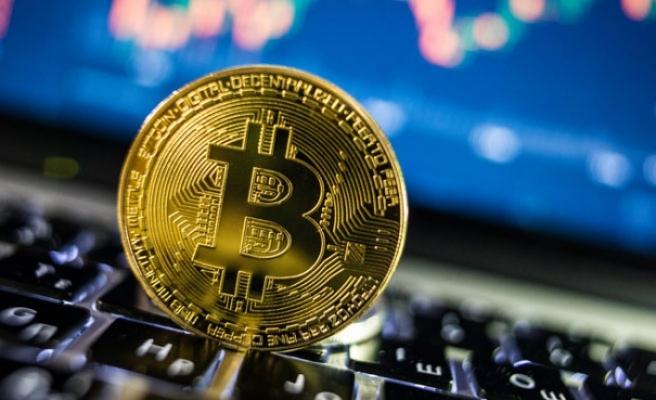 Bitcoin yılın rekor düzeyi 9 bin 322 doları gördü