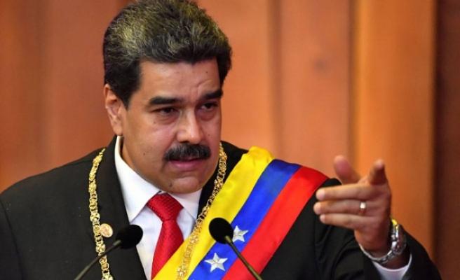 Maduro Kolombiya sınırını açtı