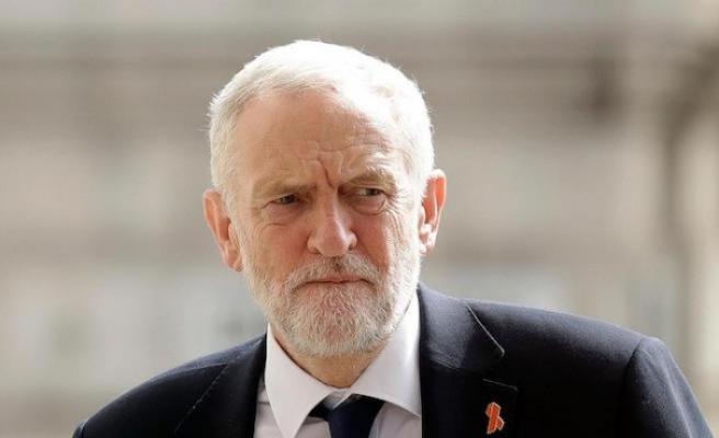 İngiltere'de İşçi Partisi lideri Corbyn'den seçim çağrısı