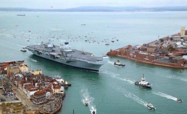 İngiltere'nin yaklaşık 4 milyar dolarlık uçak gemisinde sızıntı bulundu