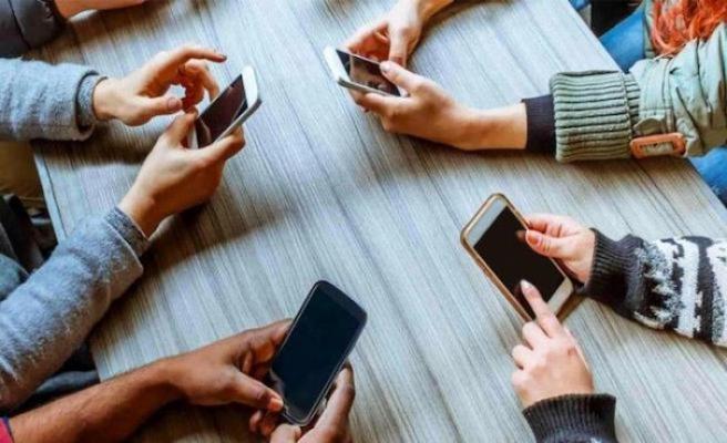İtalya'da cep telefonu bağımlılığıyla mücadele için yasa tasarısı