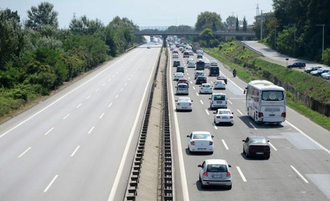 Bayram geldi trafik böyle oldu!