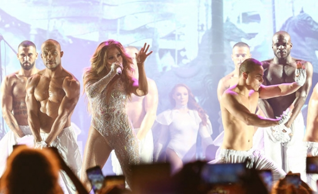 Jennifer Lopez'e özel çiçek yetiştirdiler