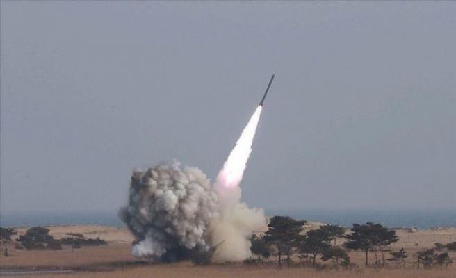 Pakistan'dan balistik füze denemesi