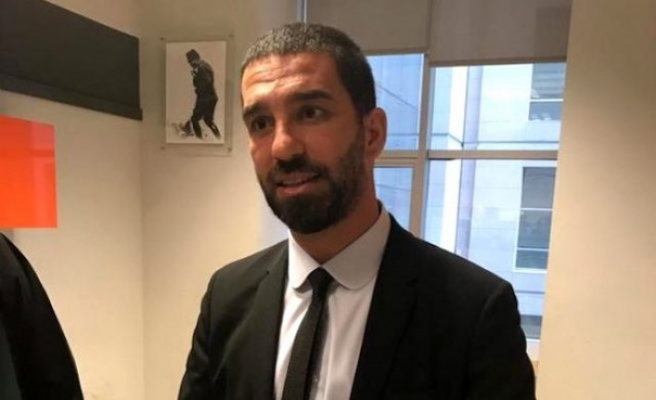 Berkay Şahin'in burnunu kıran Arda Turan'a hapis cezası