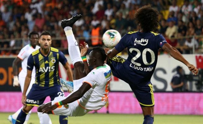 Fenerbahçe, Alanyaspor'a çarpıldı