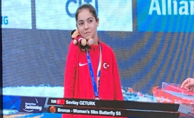Sevilay Öztürk'ten Londra'da bronz madalya