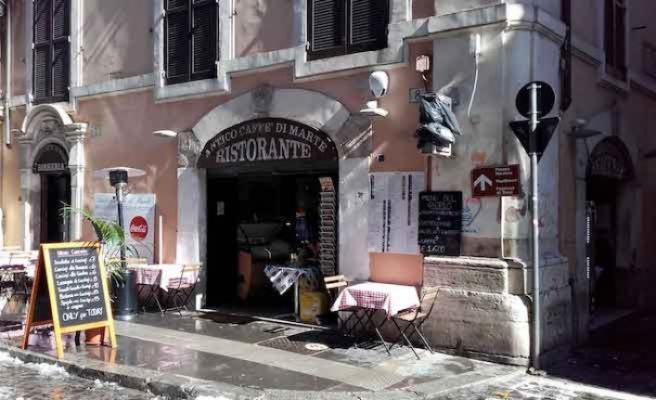 2 tabak makarnaya 430 euro hesap kesen restoran boş kaldı
