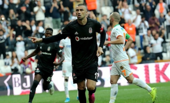 Beşiktaş, Alanyaspor'u 2-0 mağlup etti