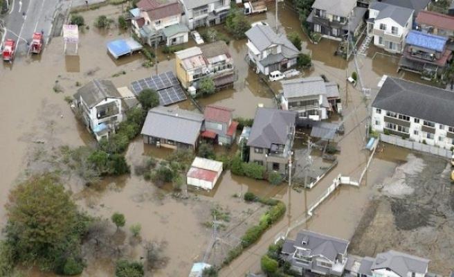 Japonya'da şiddetli yağış: 10 ölü