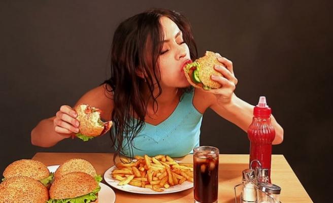 Obezite depresyonu tetikliyor!