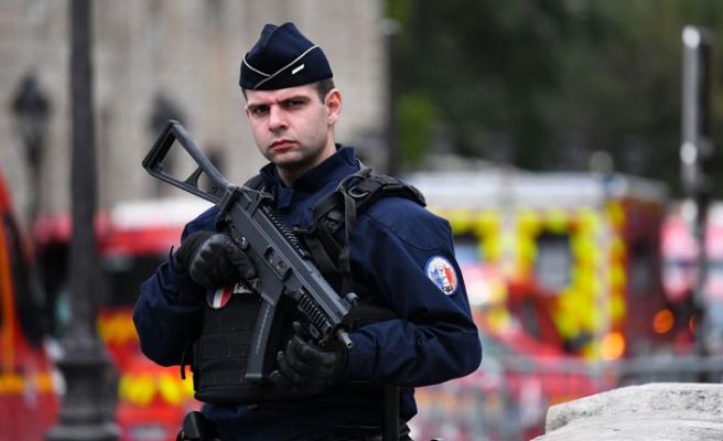 Paris Emniyet Müdürlüğünde saldırı: 4 ölü