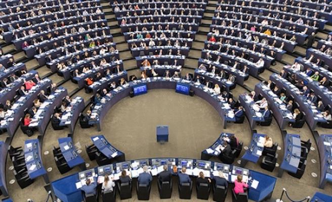 Yeni AB Komisyonu göreve gecikmeli başlayacak