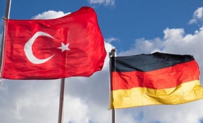 Almanya'nın Ankara Büyükelçiliği'nde çalışan Türk avukat gözaltına alındı