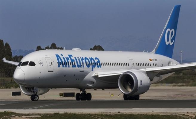 IAG, İspanyol hava yolu şirketi Air Europa'yı satın alıyor