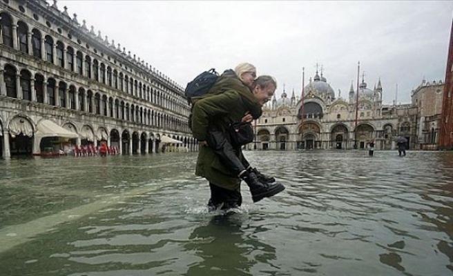 İtalya'yı soğuk hava ve yağış vurdu