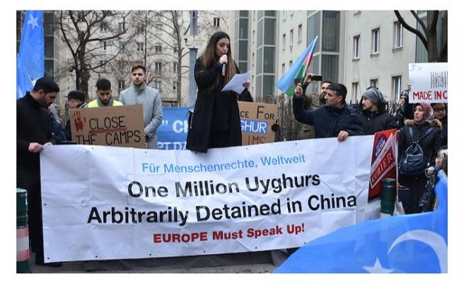 Uygur Türklerine yönelik hak ihlalleri Viyana'da protesto edildi