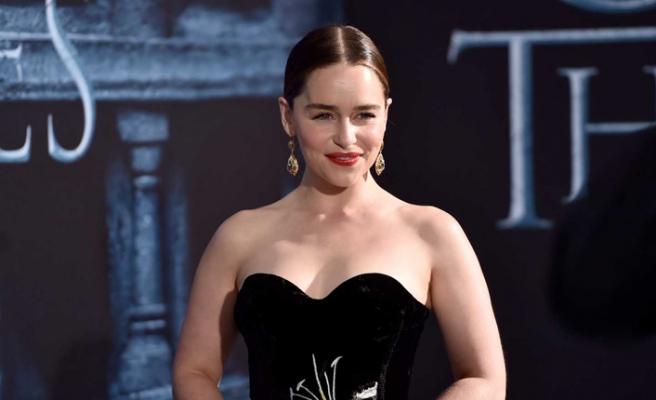 Emilia Clarke'dan hayranlarını üzecek karar