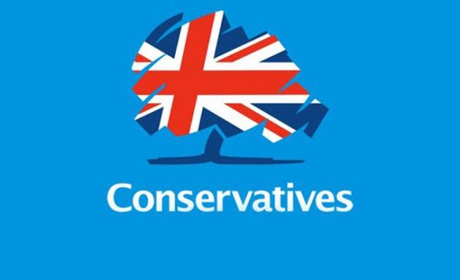 İngiltere'de anketlere göre Muhafazakar Parti önde
