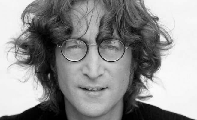 John Lennon'ın gözlüğü 170 bin Euro'ya satıldı