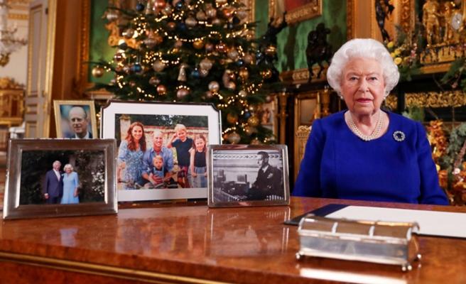 Kraliçe II. Elizabeth'in Noel Mesajında Dikkat Çeken Detay