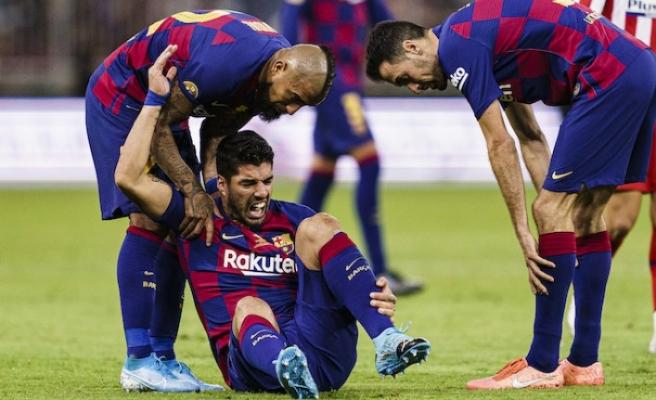 Barcelona'da Suarez 4 ay yok